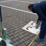 Straßenmarkierungen und Schablonen